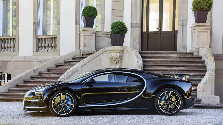 FIRST CHIRON CUSTOMER CARS LEAVE THE BUGATTI ATELIER