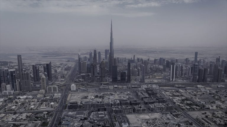 DUBAI MALL IS GETTING A TWO-STOREY APPLE STORE